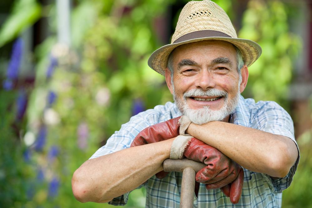"alt=""memory care gardening benefits"""